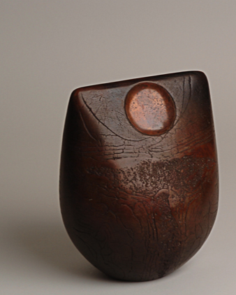 Artisan - studio pottery - burnished pot by Peter Hayes